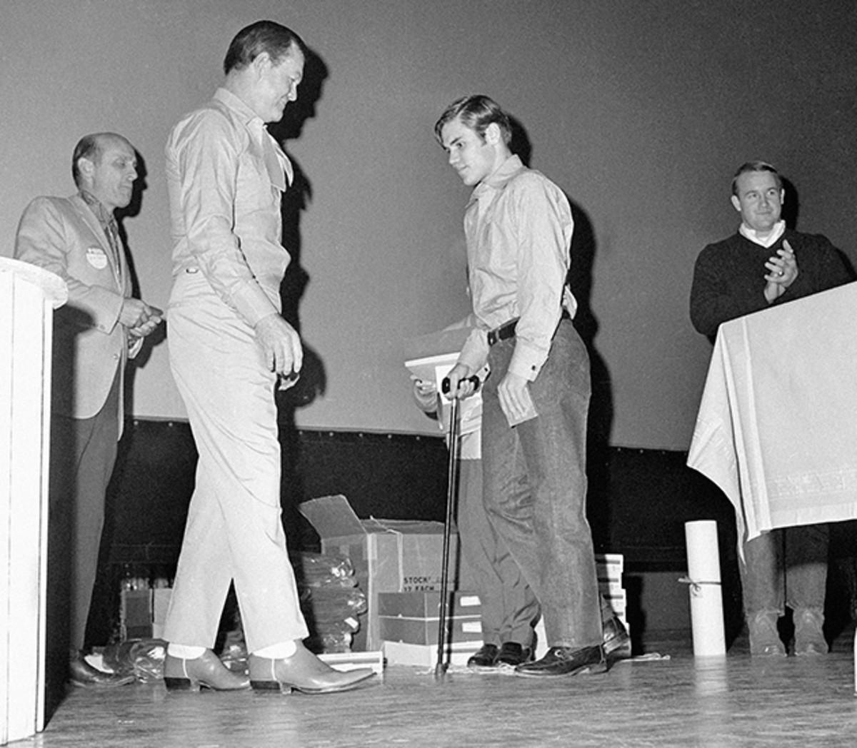 Steinmark receives his letter for the 1969 season.