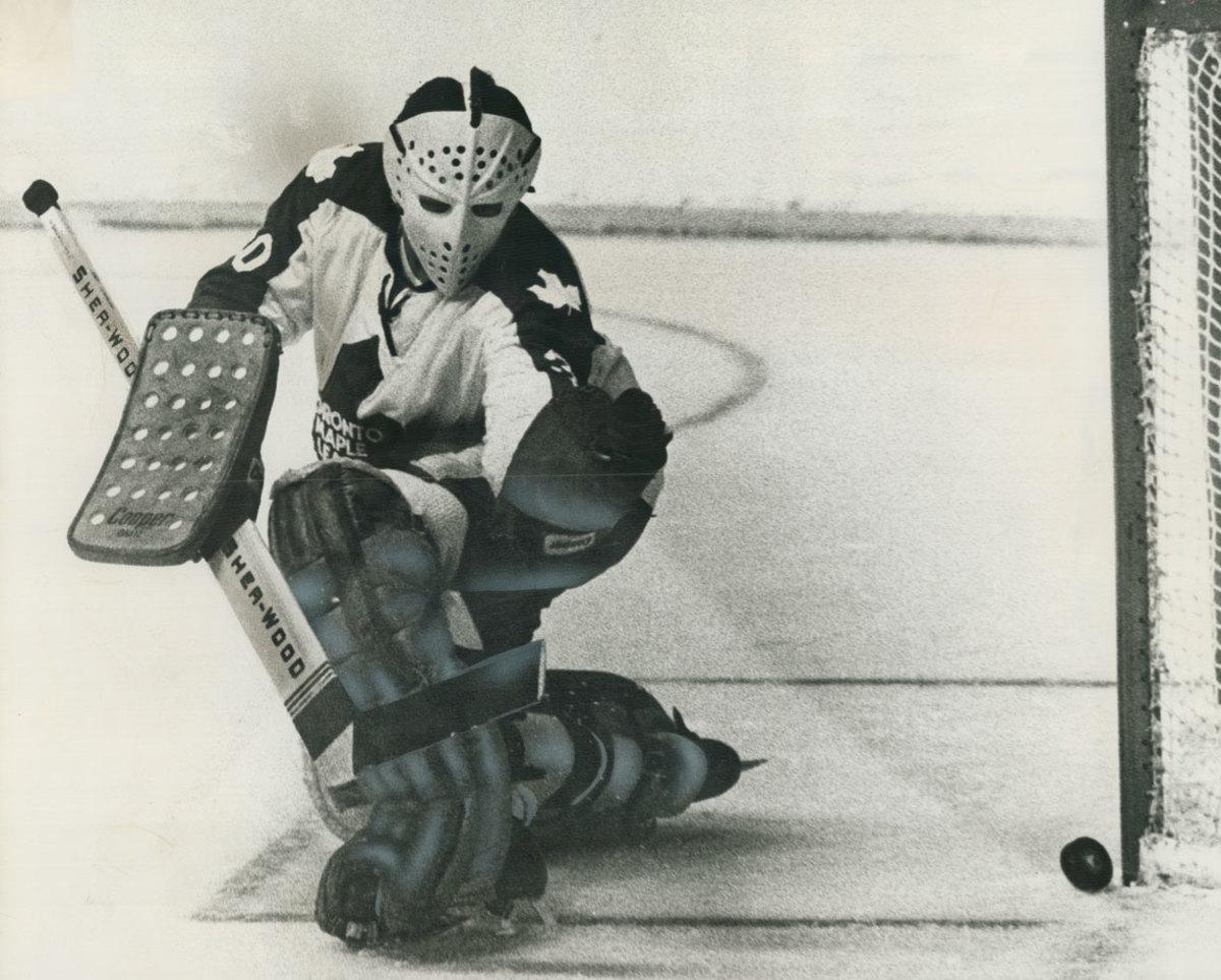 1972-Bernie-Parent-Toronto-Maple-Leafs.jpg