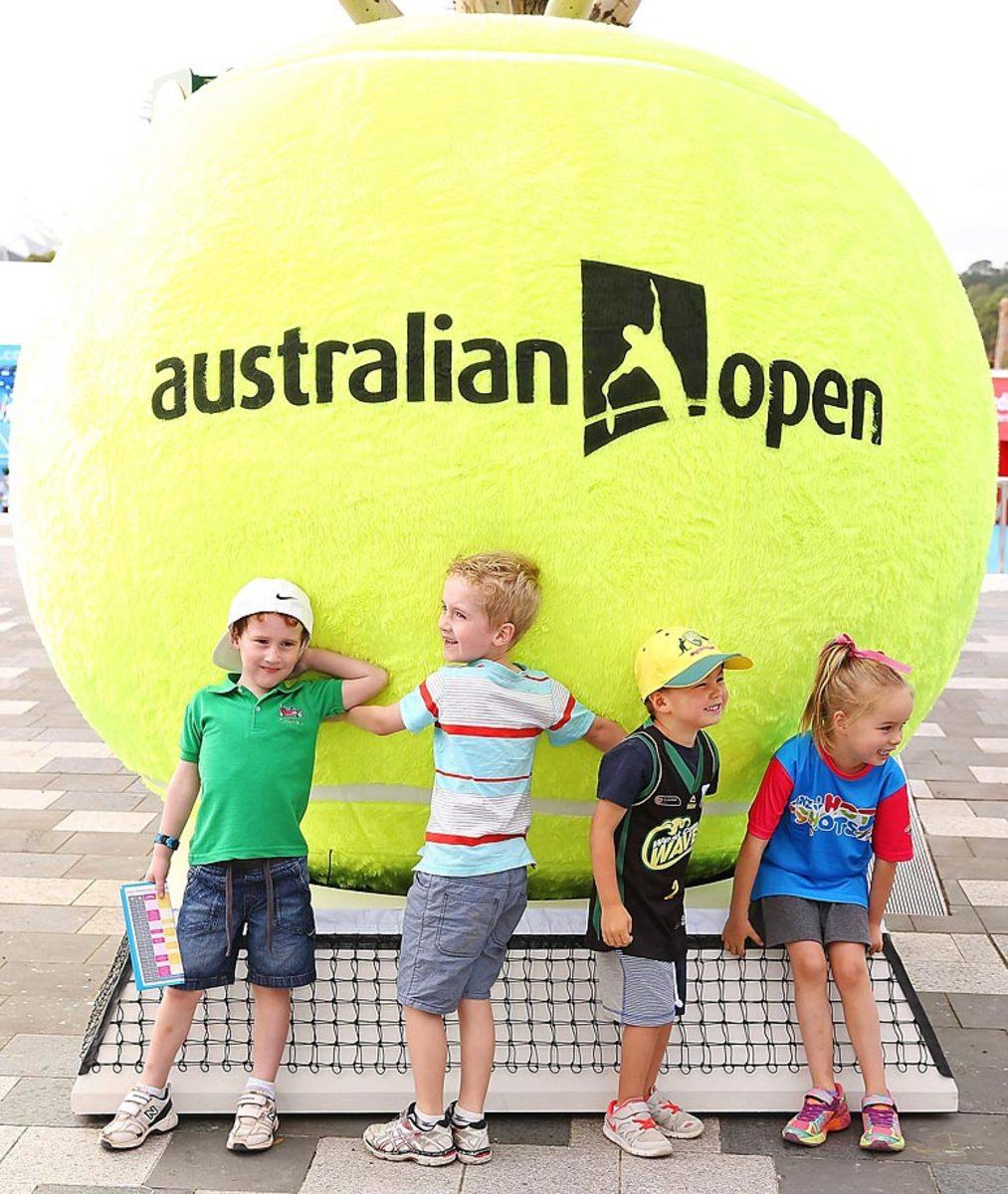 australian-open-fans-802.jpg