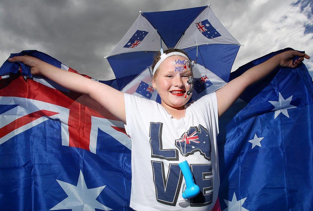 australian-open-fans-104020.jpg