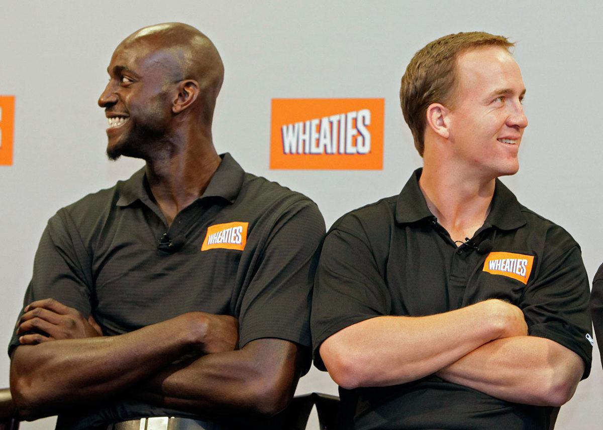 2009-Kevin-Garnett-Peyton-Manning.jpg