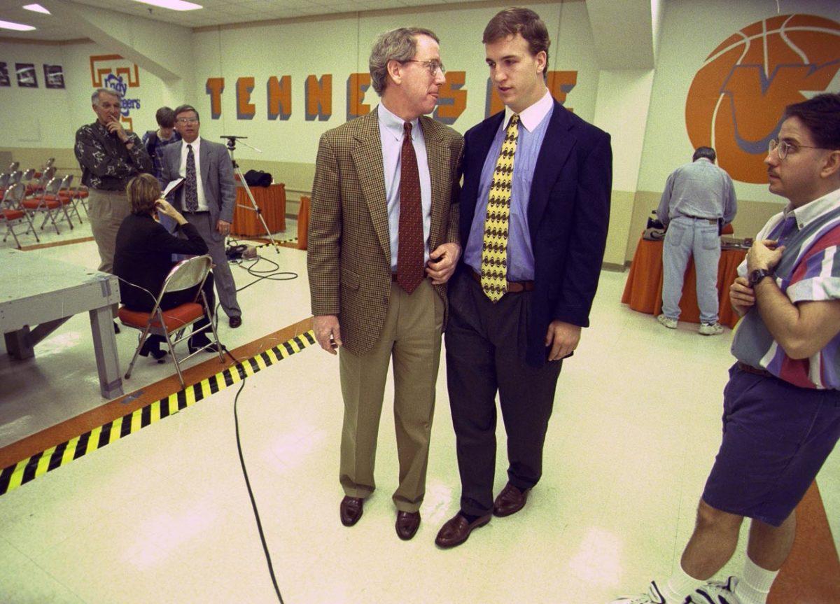 1997-Archie-Peyton-Manning-05949720.jpg