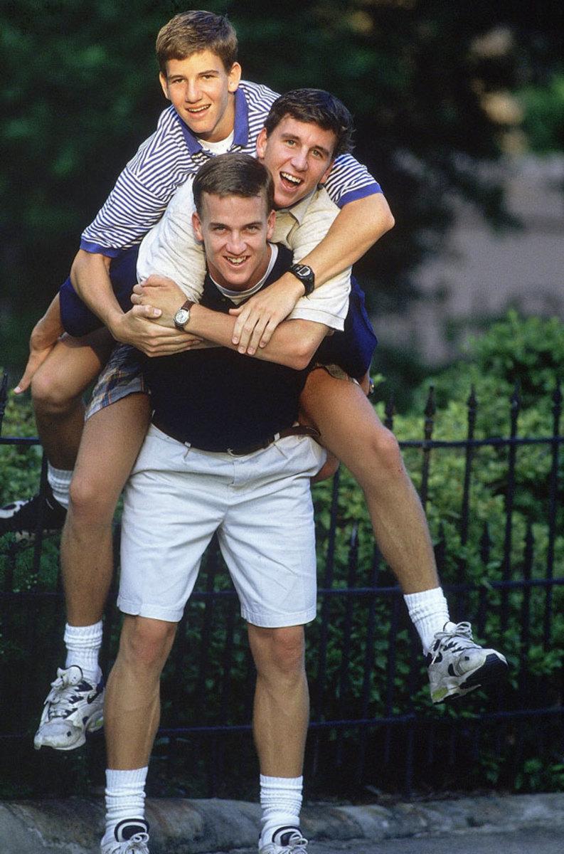 1996-Peyton-Manning-brothers-Eli-Cooper-005800892.jpg