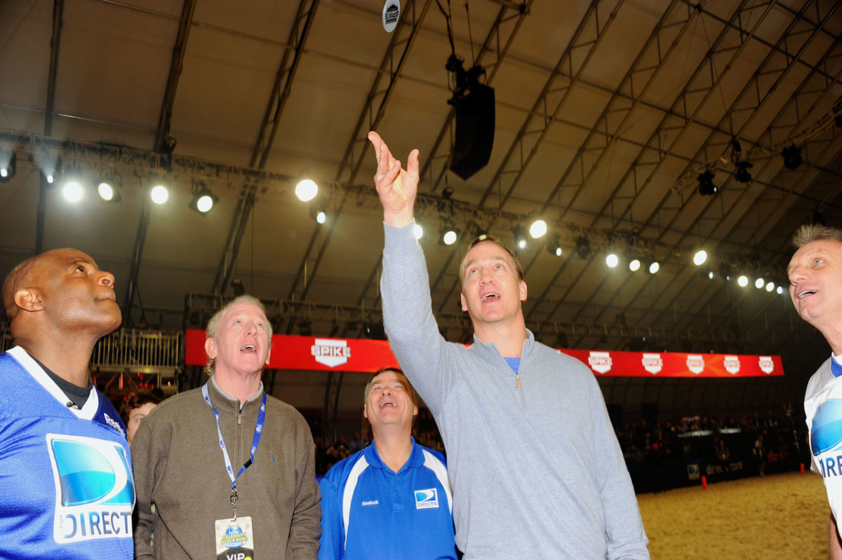 2012-Peyton-Manning-Archie-Warren-Moon-Joe-Montana.jpg