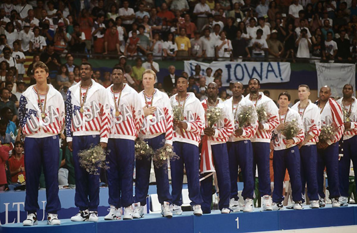 michael-jordan-1992-olympics-flag.jpg