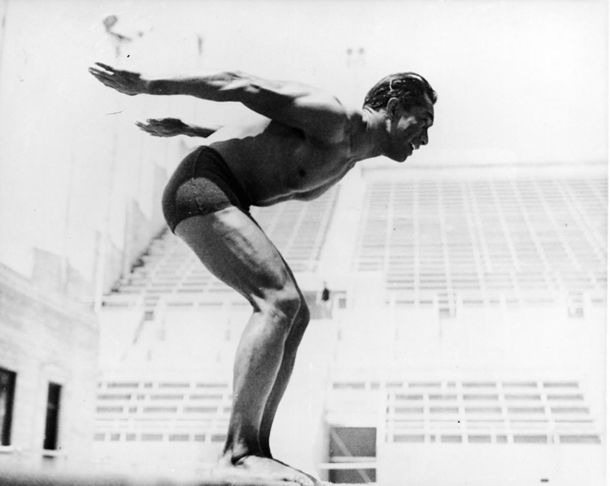 duke-kahanamoku-surfing-grandfather-history-630-3.jpg