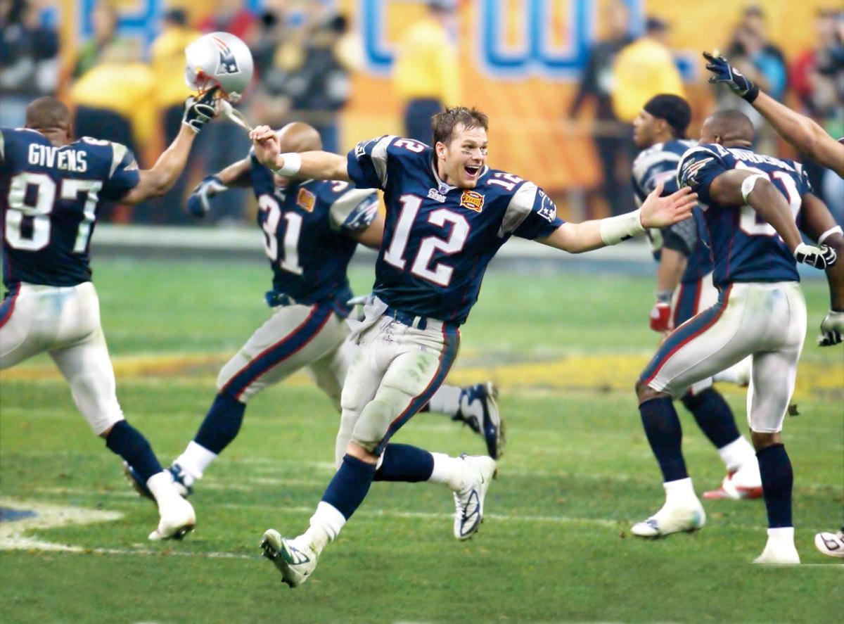 2004-Super-Bowl-XXXVIII-Tom-Brady-006308547.jpg