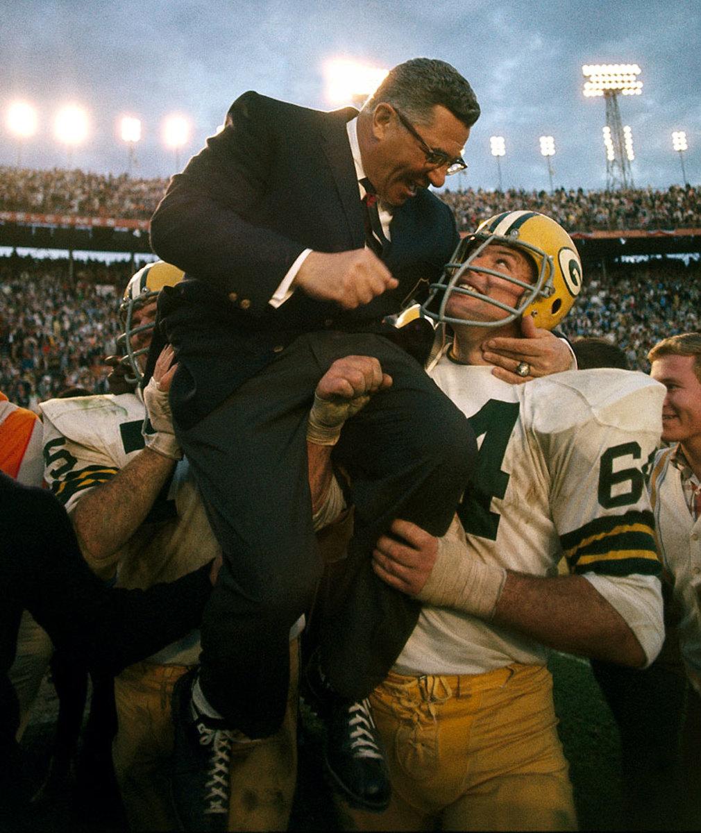 1968-Super-Bowl-II-Vince-Lombardi-Jerry-Kramer-Forrest-Gregg-001158044.jpg
