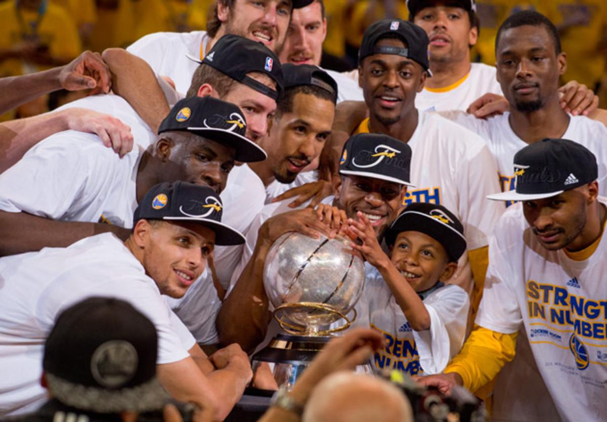 warriors-trophy-celebration.jpg