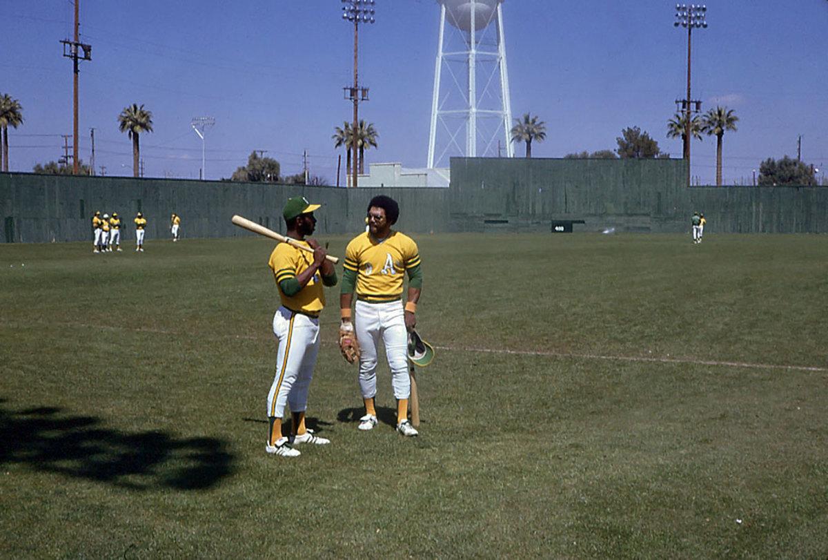 1973-Billy-North-Reggie-Jackson.jpg