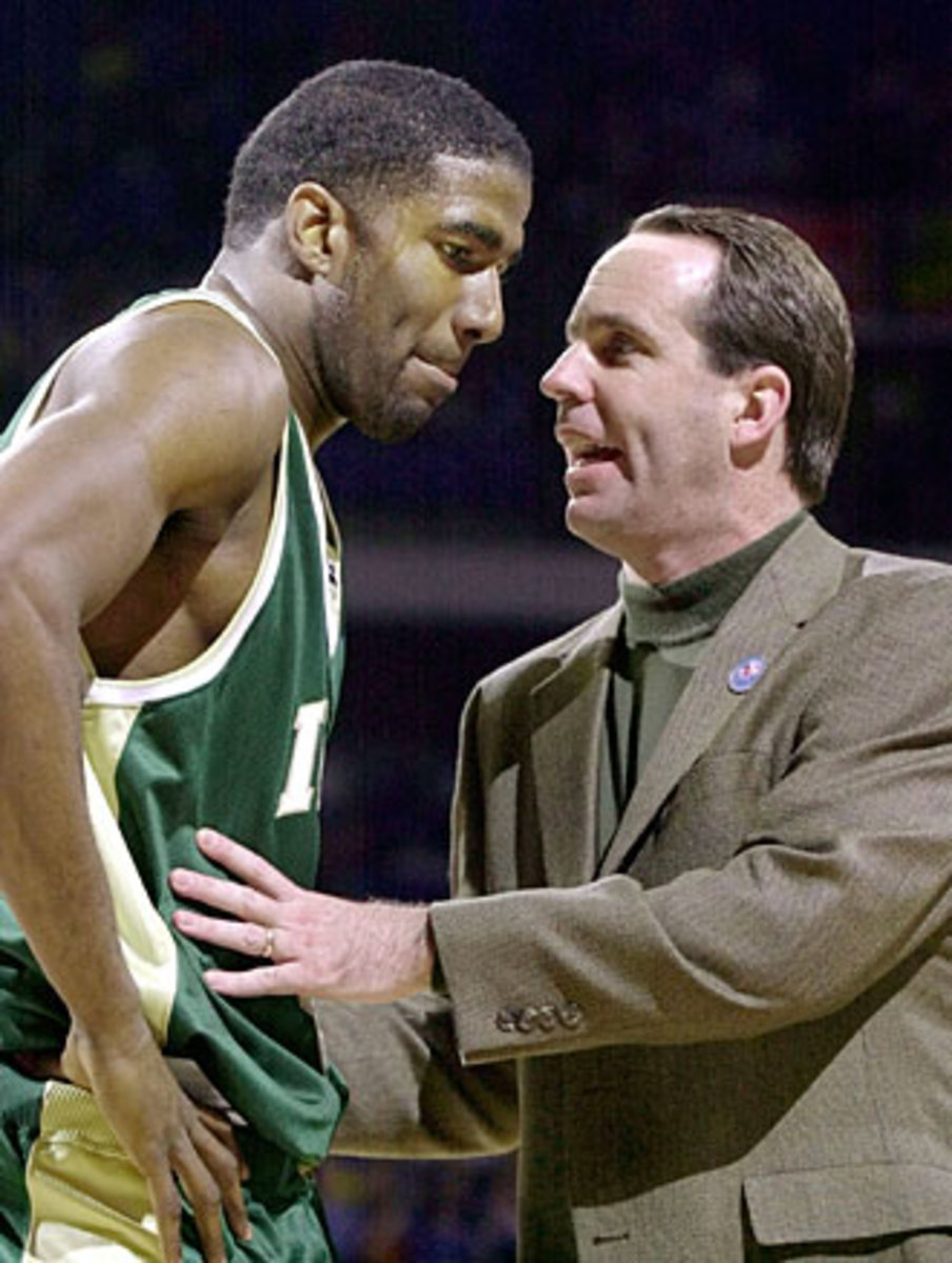 Mike Brey came from Delaware to take over Notre Dame, where he had to quickly build relationships with players like star forward Ryan Humphrey.