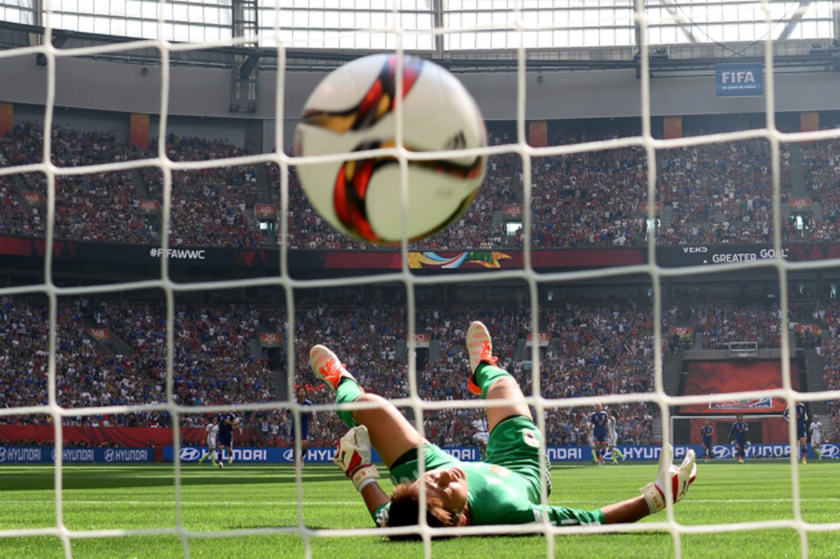 lloyd-midfield-goal.jpg