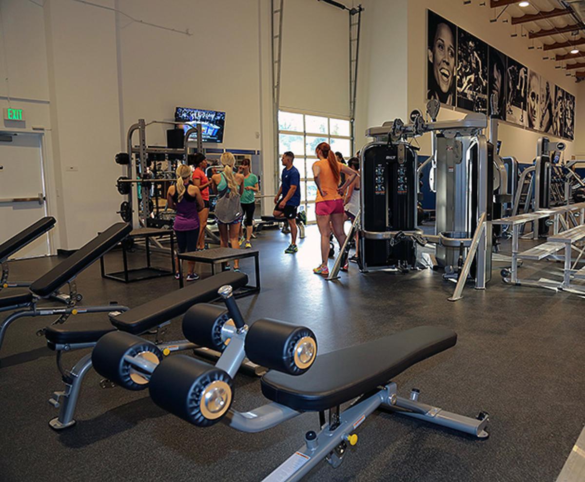 asics-sports-performance-center-running-training-630-2.jpg