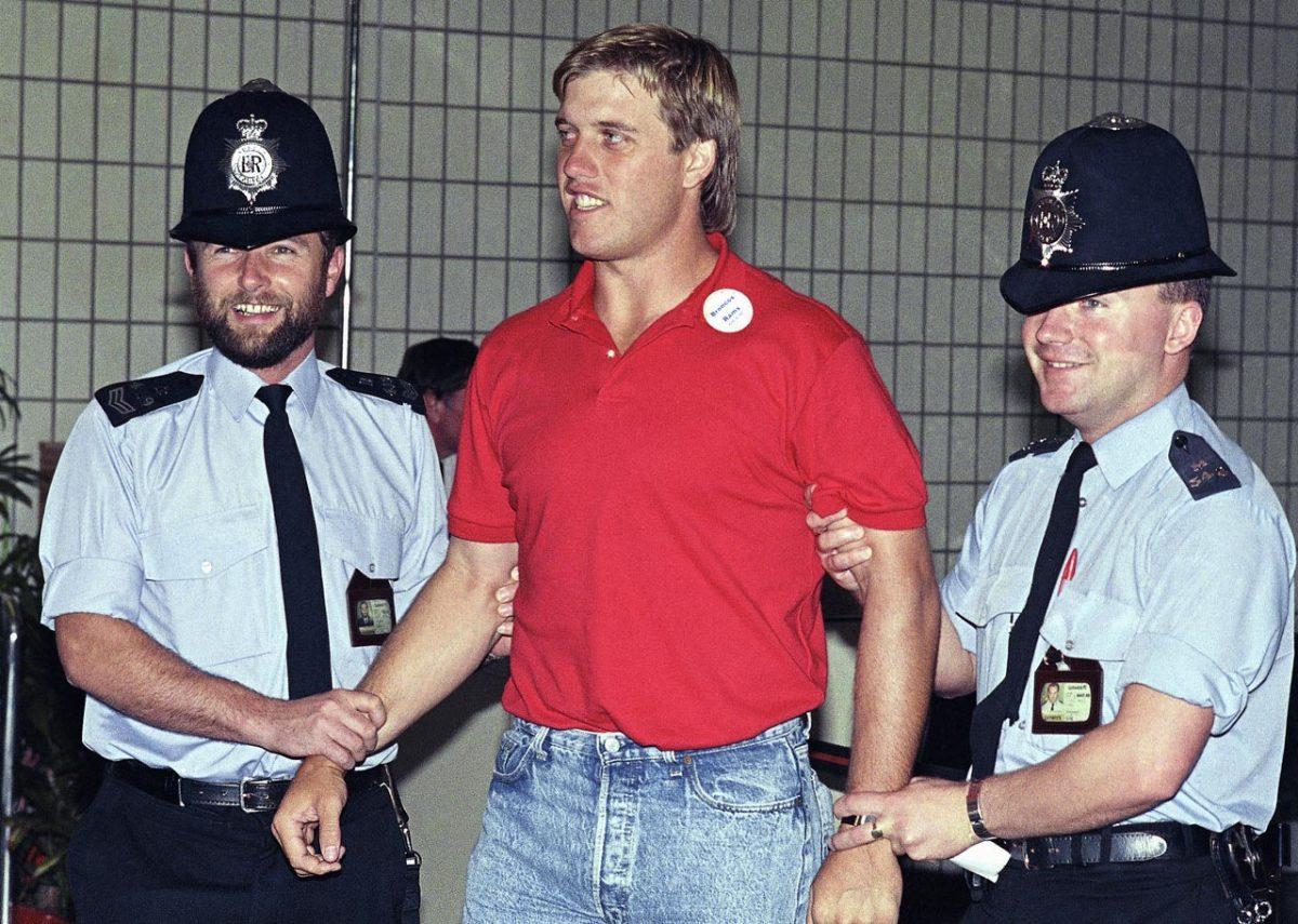 1987-john-elway-british-police.jpg