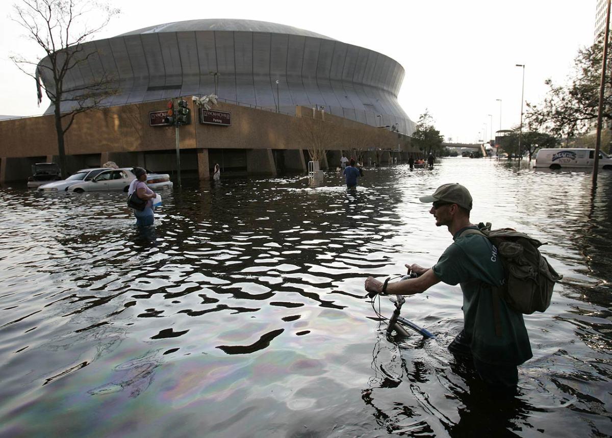 04-aftermath-flooding-HURRICANE-KATRINA(8).jpg