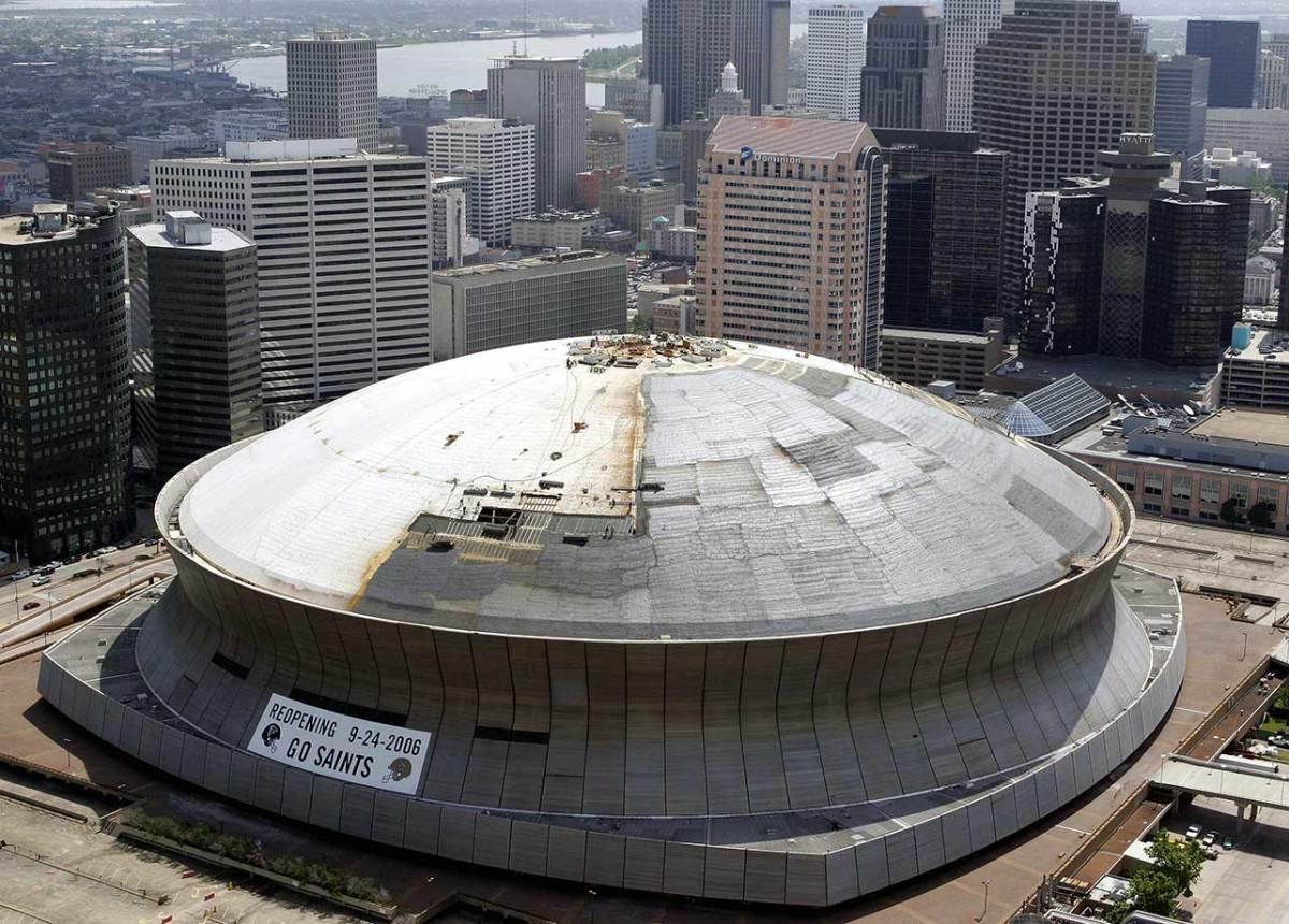 08-Superdome-reconstruction-SUPERDOME-REBIRTH-FOOT(2).jpg