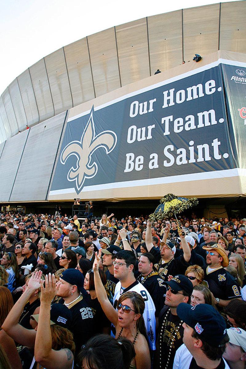 11-fans-enter-Superdome-FALCONS-SAINTS-FOOTBALL.jpg