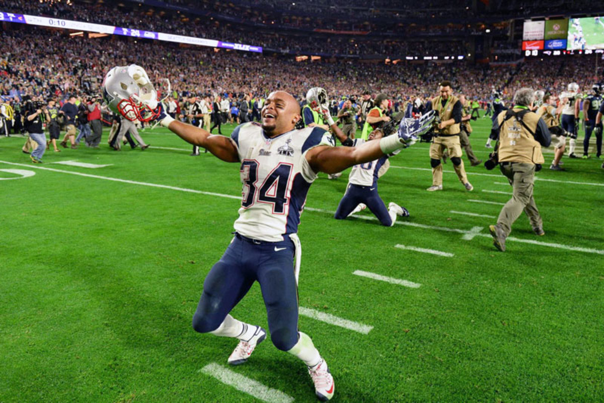Shane Vereen, who caught 11 passes in the game, celebrates. (Robert Beck/Sports Illustrated/The MMQB)