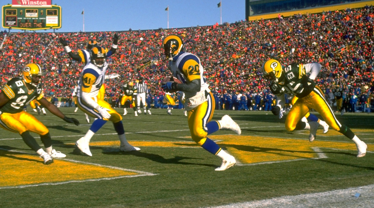 A second-round pick of the Rams in 1989, Henley had 12 INTs over six seasons with the club. (Photo: John Biever/Sports Illustrated)