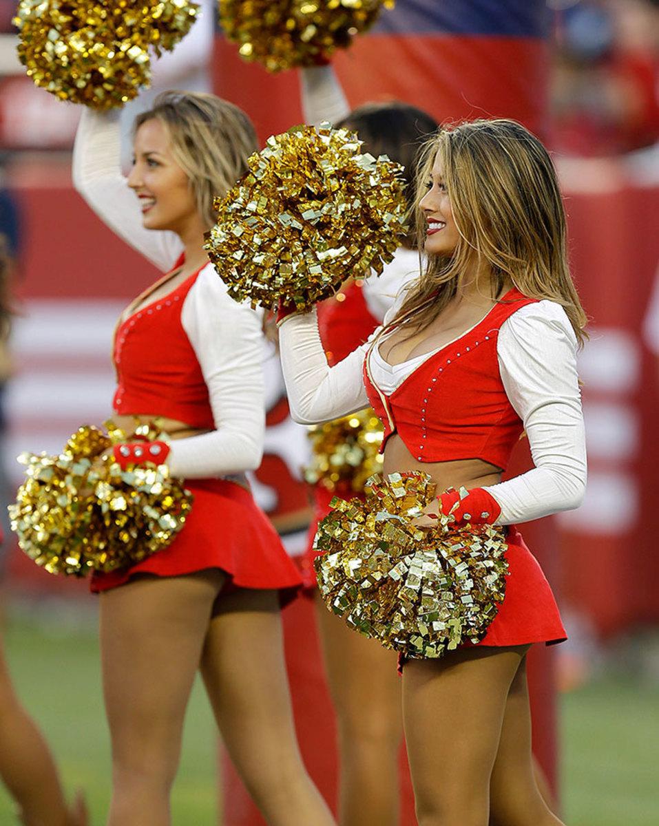 San-Francisco-49ers-Gold-Rush-cheerleaders-AP_518102854240.jpg