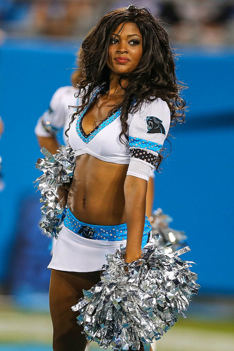Carolina-Panthers-TopCats-cheerleaders-CDA150822398_Carolina_vs_Miami.jpg
