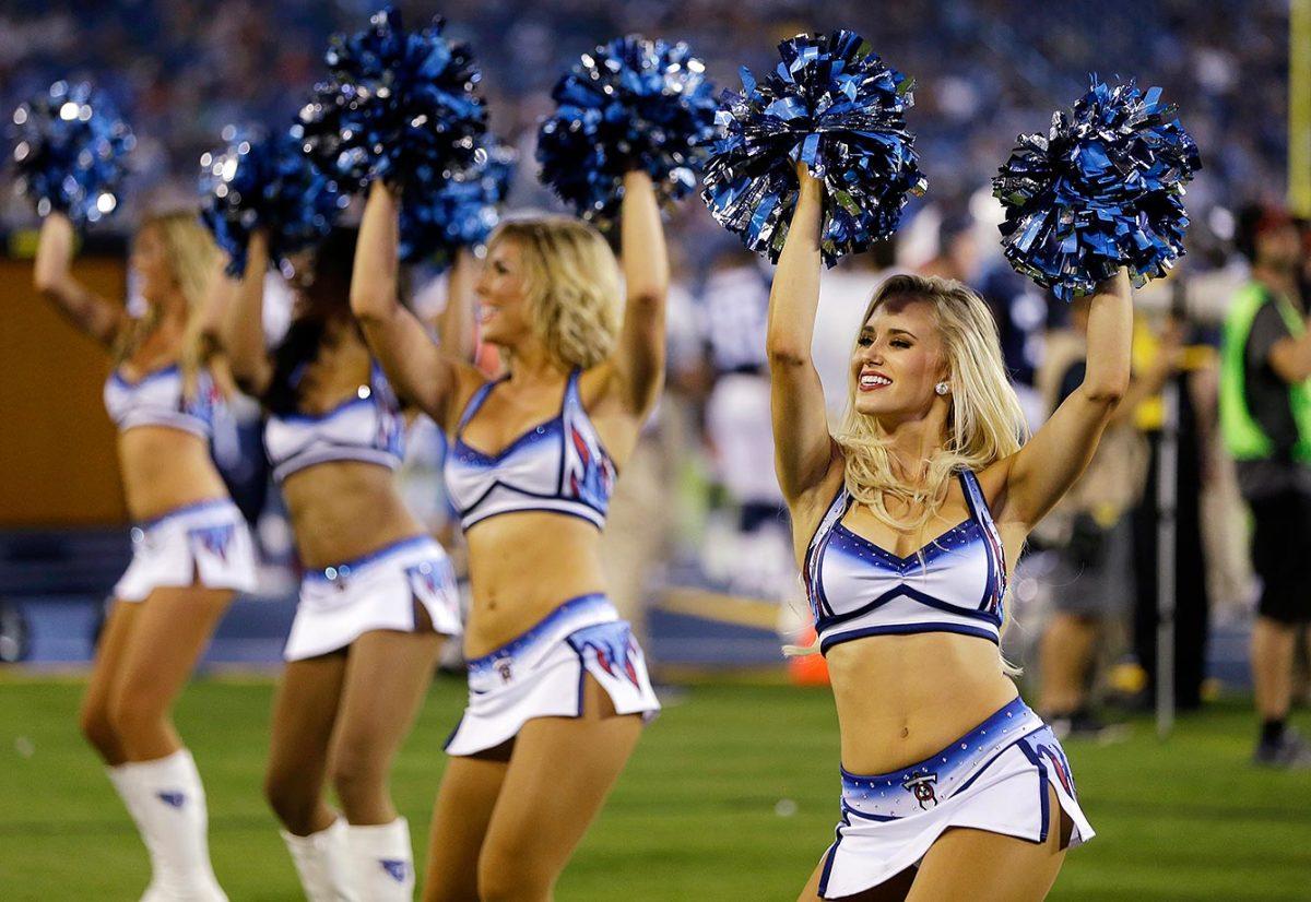 Tennessee-Titans-cheerleaders-AP_89074721324.jpg