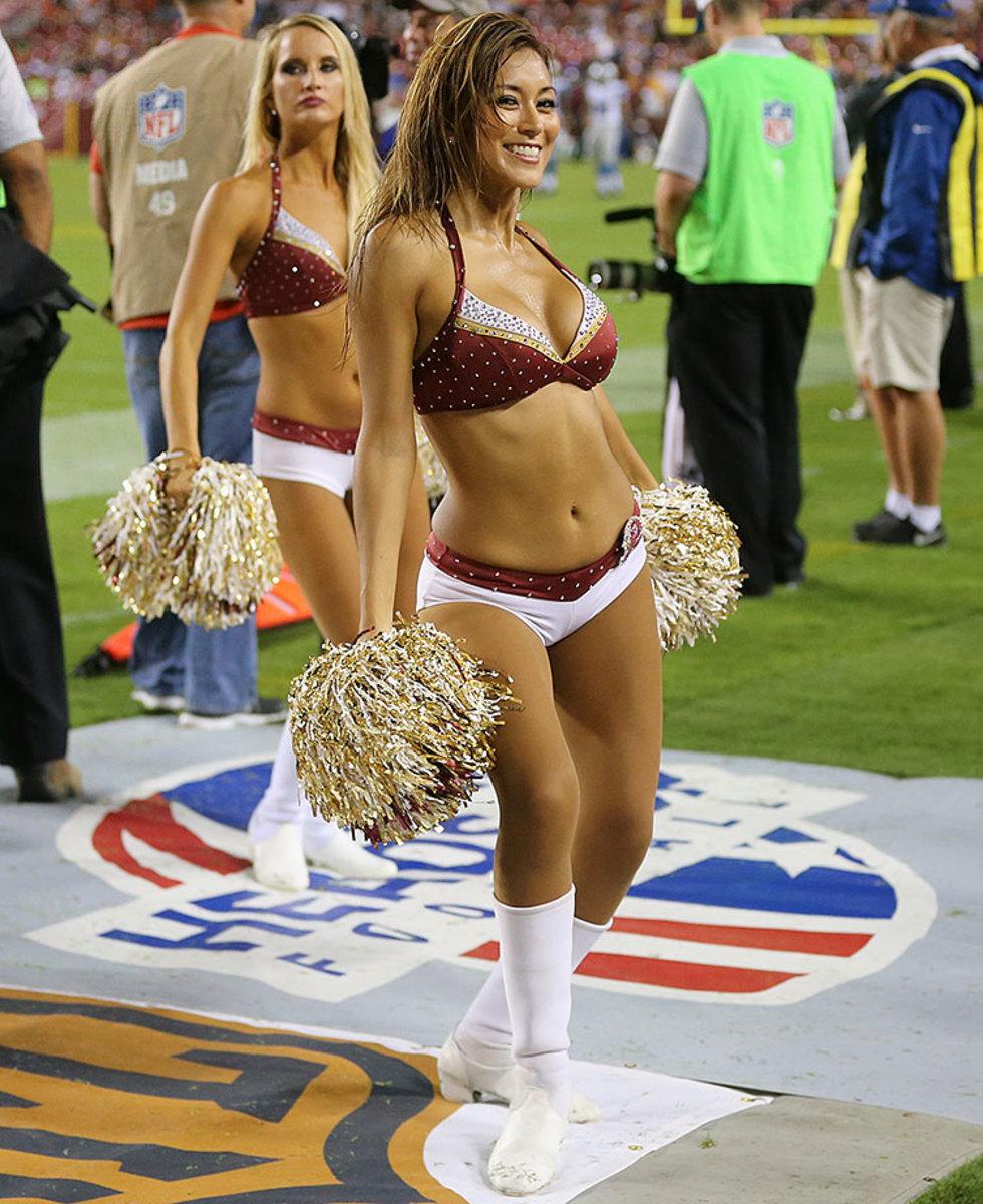 Washington-Redskins-cheerleaders-BEA_6246A.jpg