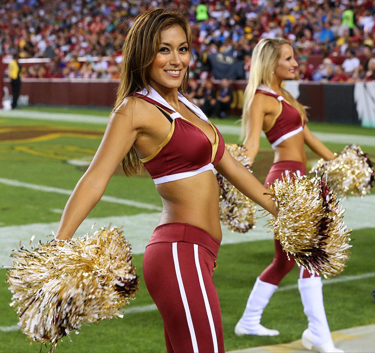 Washington-Redskins-cheerleaders-BEA_4416A.jpg