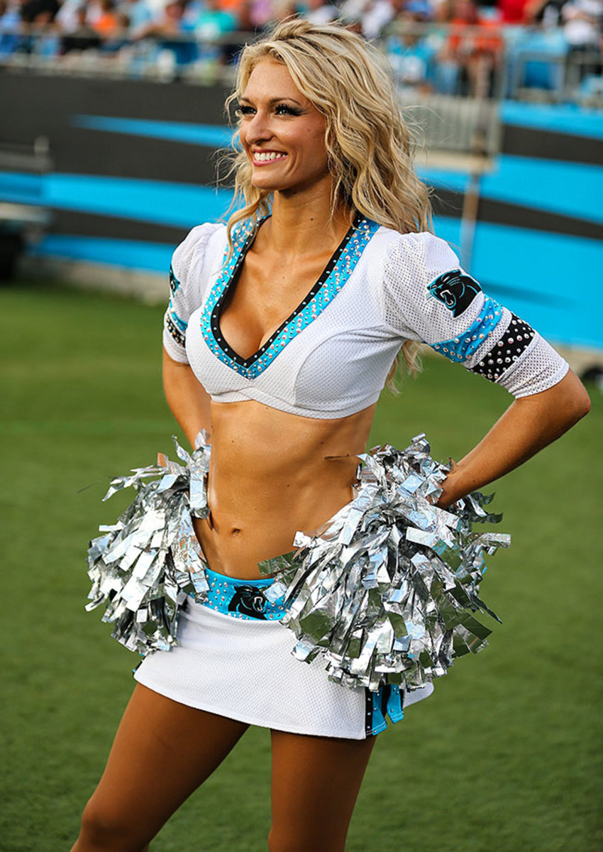Carolina-Panthers-TopCats-cheerleaders-CDA150822044_Carolina_vs_Miami.jpg