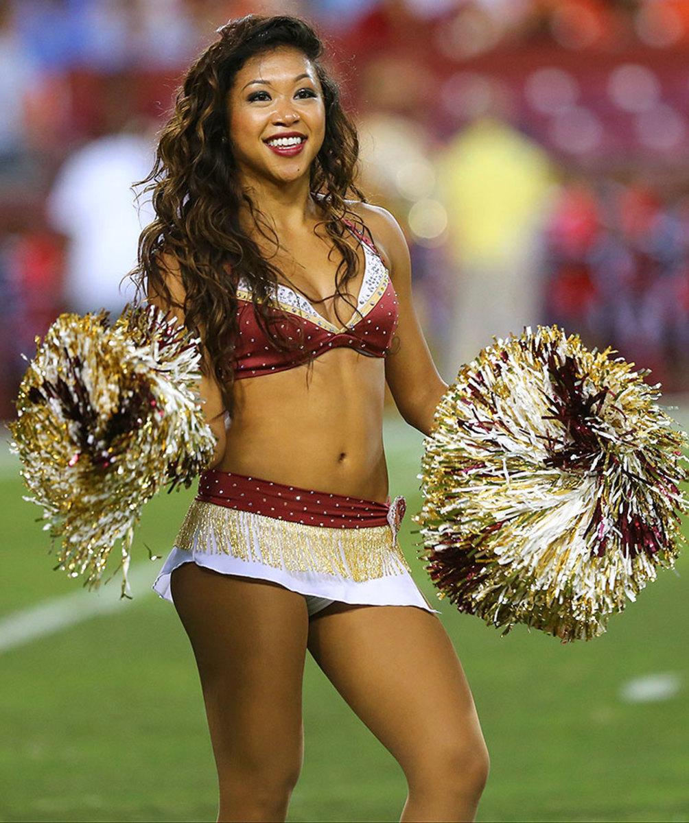 Washington-Redskins-cheerleaders-BEA_1492A.jpg