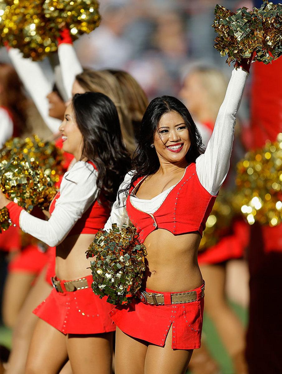 San-Francisco-49ers-Gold-Rush-cheerleaders-AP_183939510504.jpg