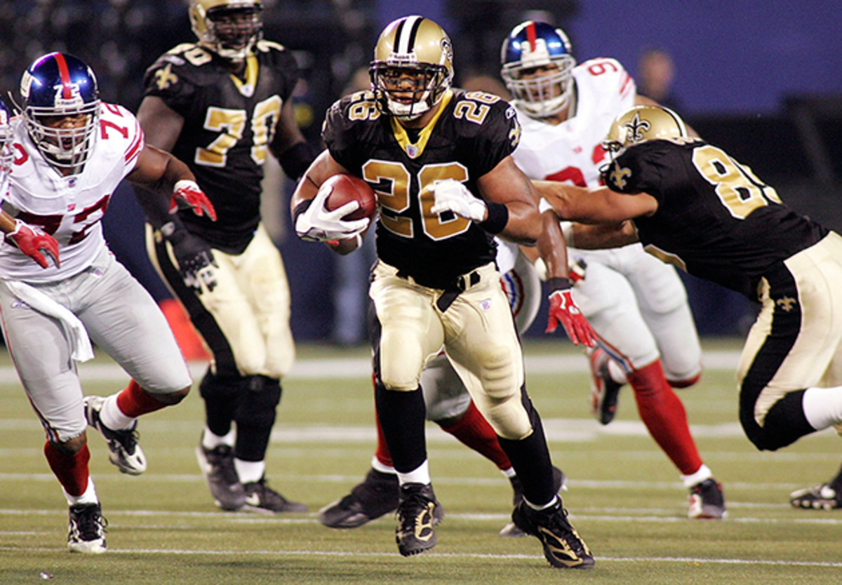 Deuce McAllister runs the ball during the Saints first 'home' game in 2005, played at Giants Stadium in East Rutherford, NJ.