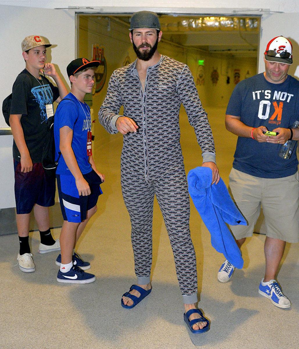 Chicago-Cubs-pajama-party-onesies-Jake-Arrieta.jpg