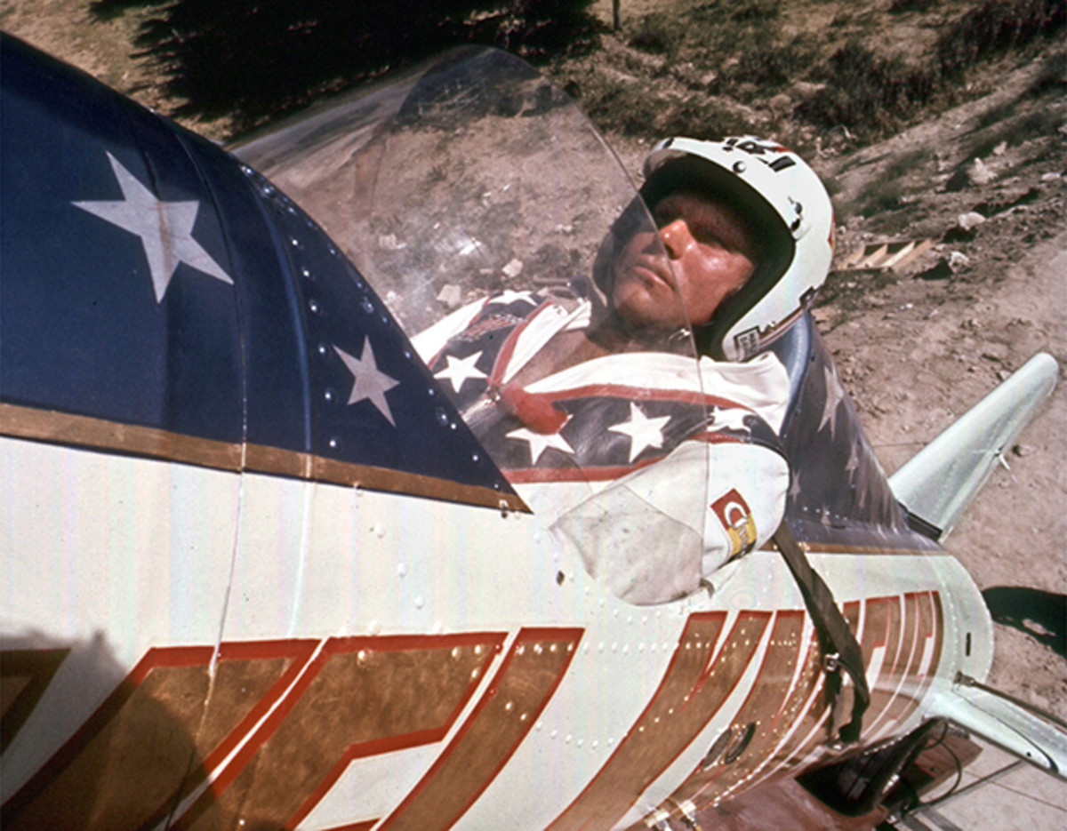being-evel-knievel-movie-johnny-knoxville-mat-hoffman-tony-hawk-630-4.jpg