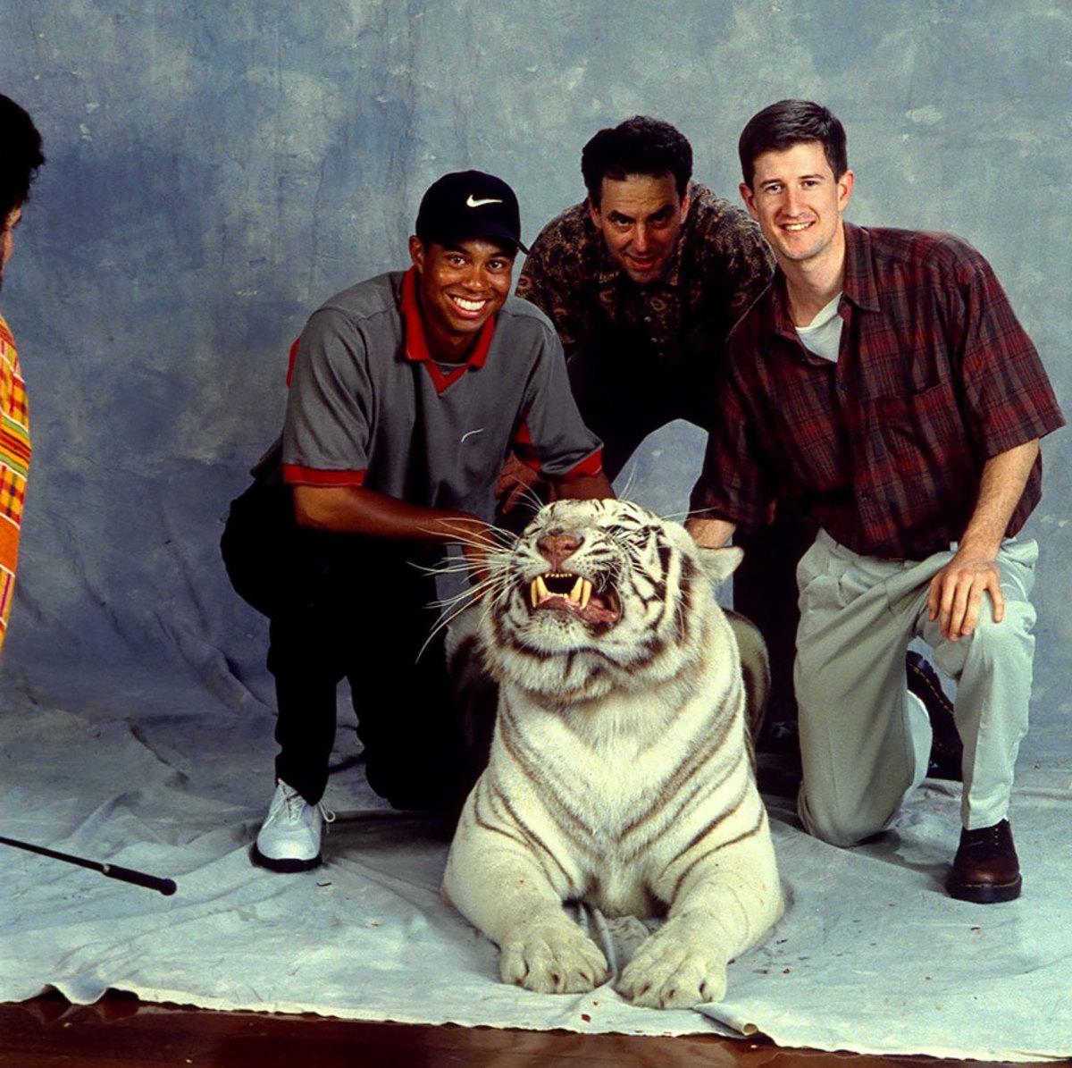 1998-0331-Tiger-Woods-Steve-Hoffman-Matt-Ginella-05707586.jpg