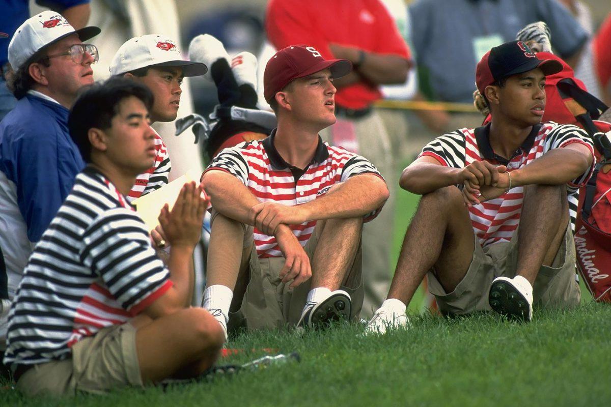 1995-0601-Tiger-Woods-Stanford-teammates-05582373.jpg