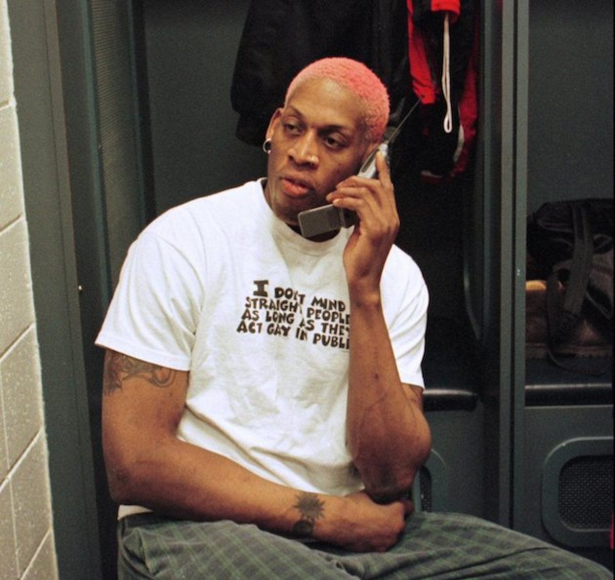 Dennis Rodman cell phone