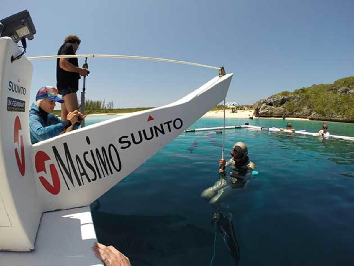 masimo-blue-freediving-630-2.jpg