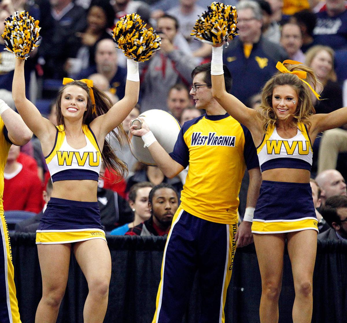 West-Virginia-cheerleaders-2081592101224b828486de3a98c32765-0.jpg