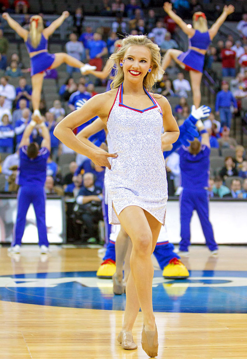 Kansas-cheerleaders-CBG150320611_Kansas_v_New_Mexico_State.jpg