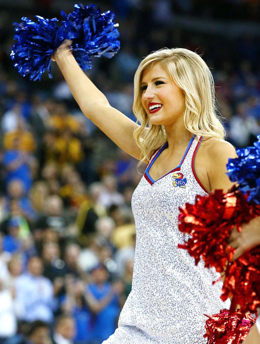 Kansas-cheerleaders-467038452_10.jpg