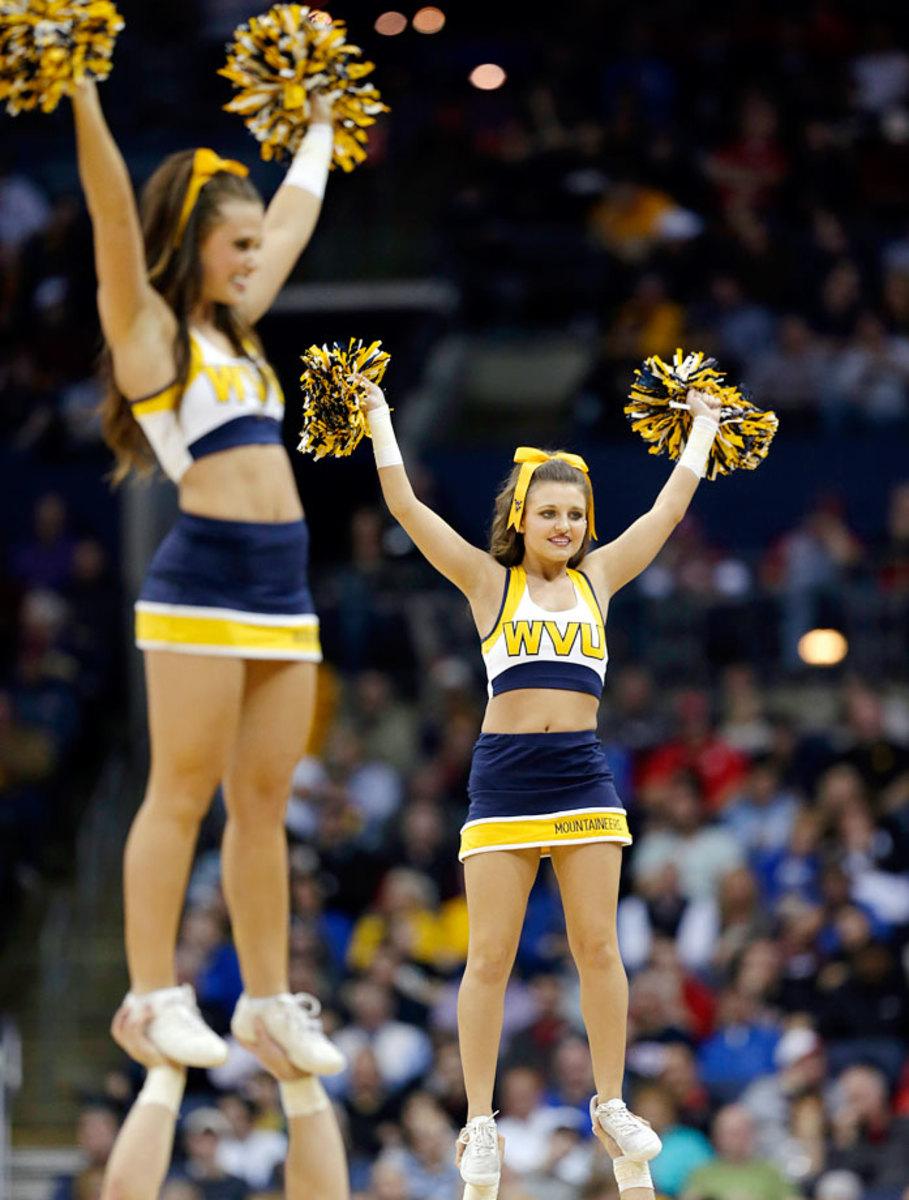 West-Virginia-cheerleaders-AP713859623170_7.jpg