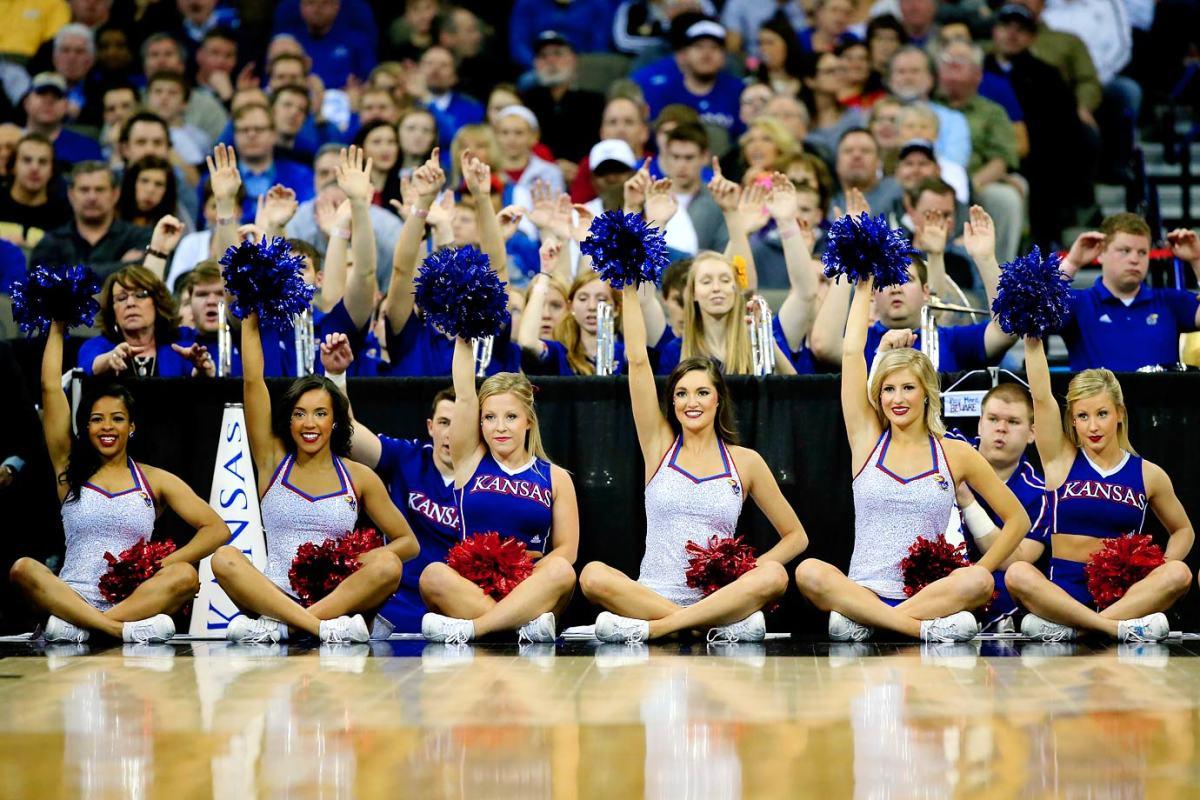 Kansas-cheerleaders-467039450_10.jpg