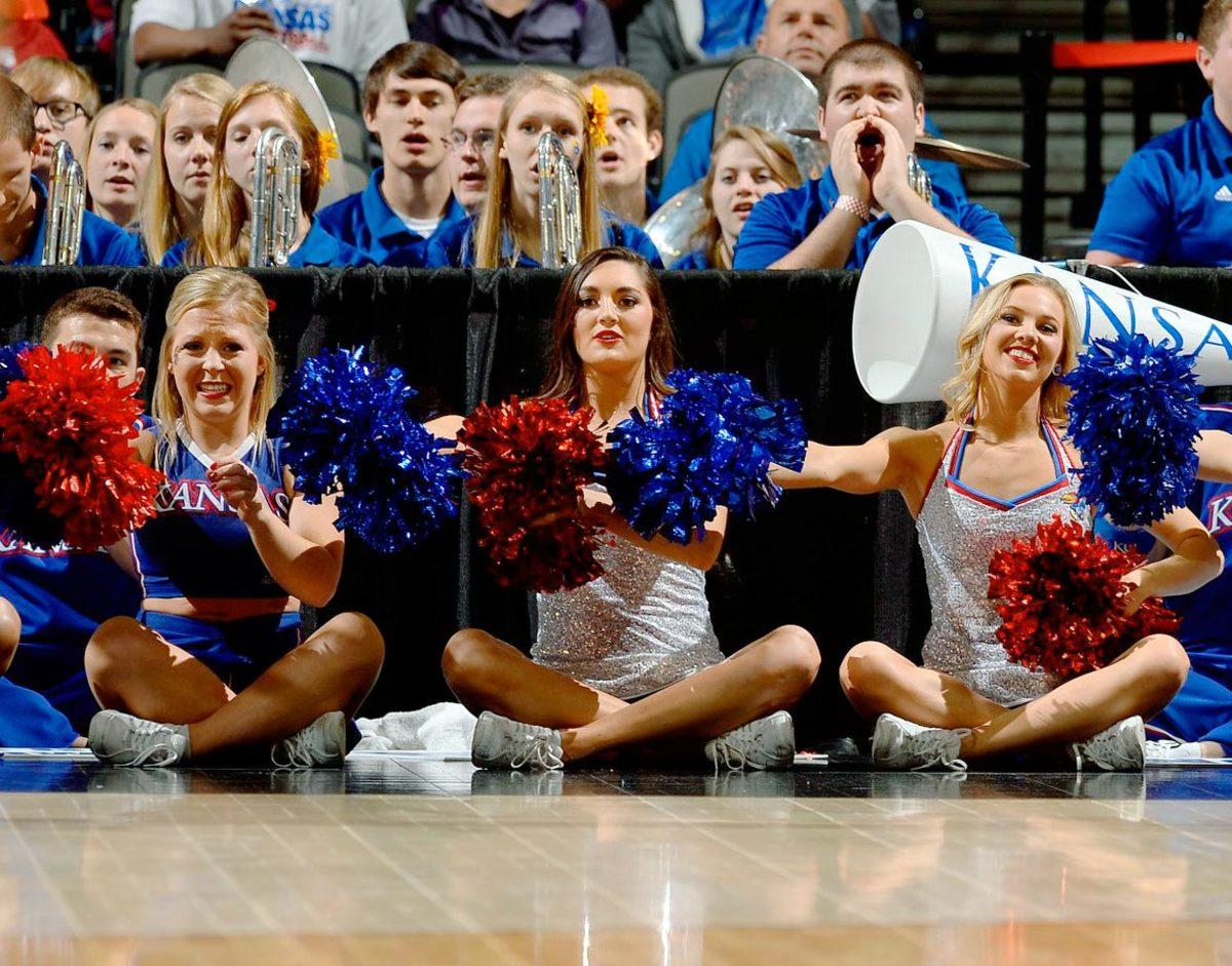 Kansas-cheerleaders-X159387_TK1_1238.jpg