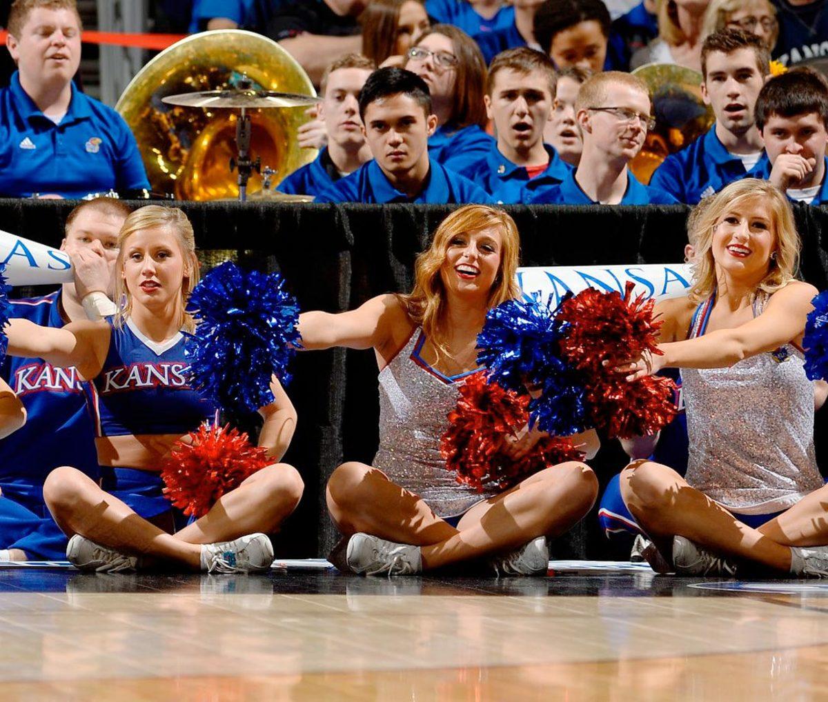 Kansas-cheerleaders-X159387_TK1_1238(2).jpg