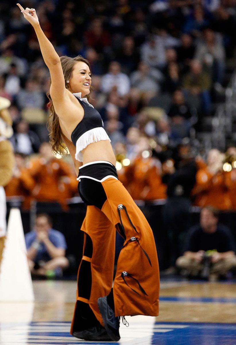 Texas-cheerleaders-AP221610998980_19.jpg