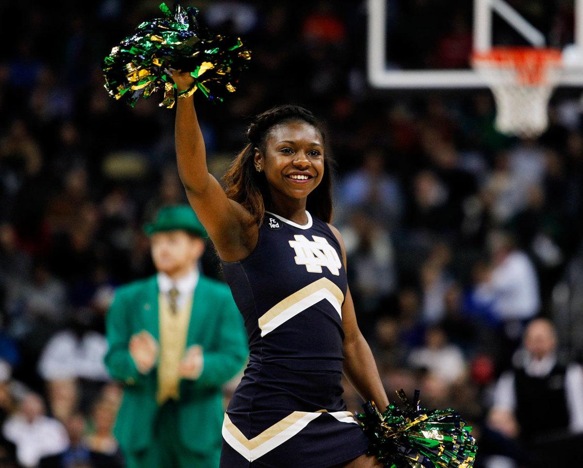 Notre-Dame-cheerleaders-466862654_10.jpg