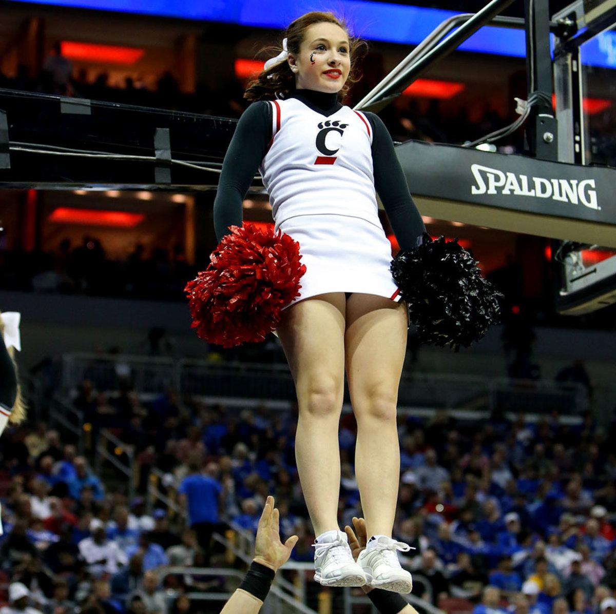 Cincinnati-cheerleaders-383150319_Purdue_v_Cincinnati046.jpg