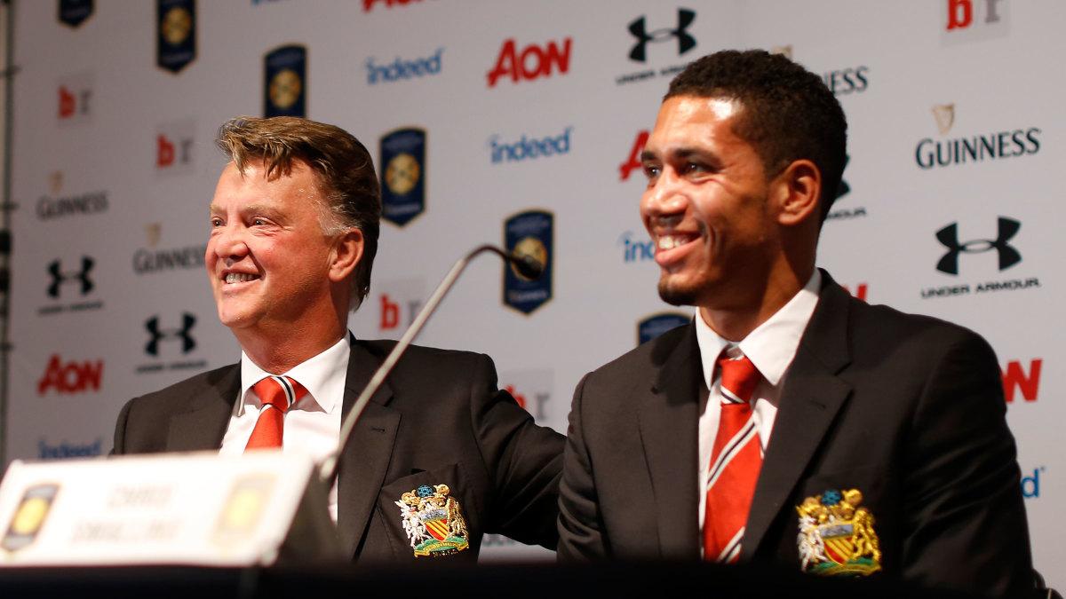 Manchester United's Louis Van Gaal Calls Chris Smalling