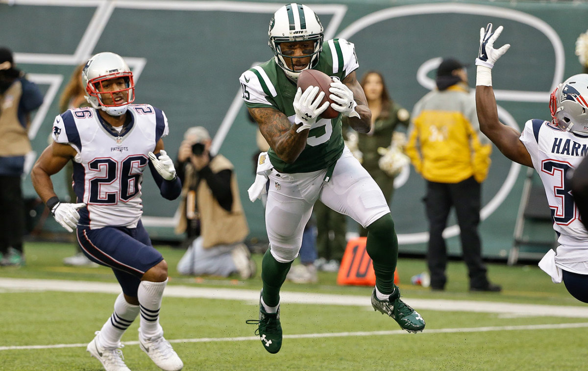 Brandon Marshall had eight catches for 115 yards and two touchdowns Sunday.